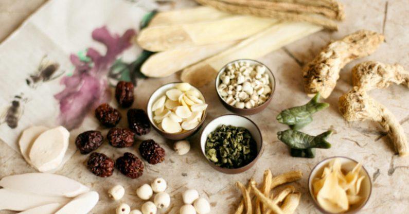 Cuốn e-book cung cấp những kiến thức khoa học về 4 loại thảo dược Hàn Quốc: nhân sâm, đông trùng, nấm linh chi & tỏi đen.